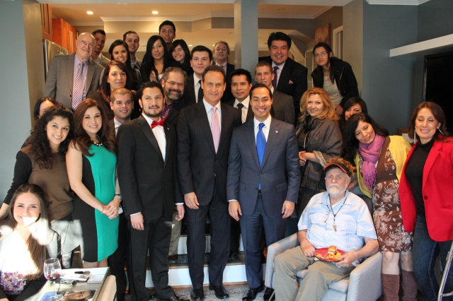 San Antonio Mayor, Julián Castro, and Telemundo  Anchor, José Diaz-Balart , meet with members of the National Association of Hispanic Journalists Washington, D.C. Chapter. Couresty: Franklin Garcia.